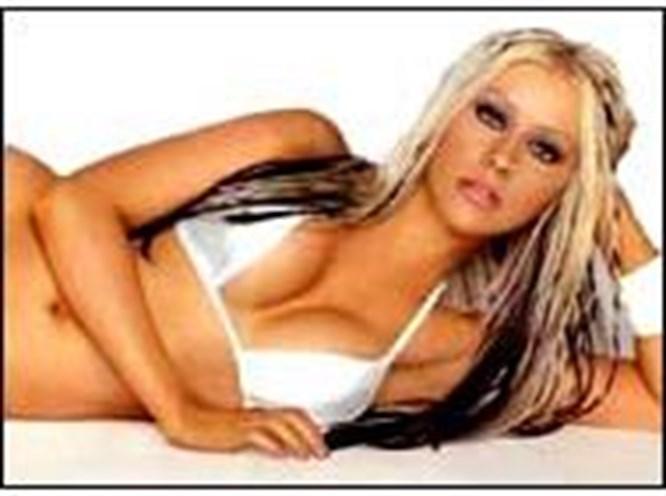 Christina Aguilera nişanlandı
